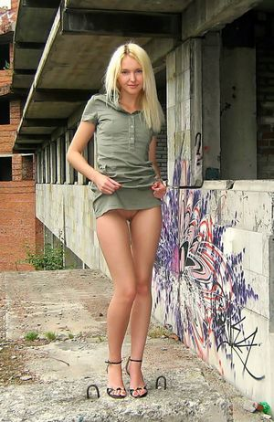 Long Legged Girls