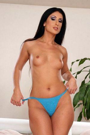 Nude mom posing
